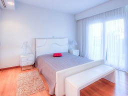 Luxury apartments in Limassol with 4 bedrooms, Old Port