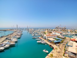 Apartment with 3 bedrooms in Limassol, Limassol Marina