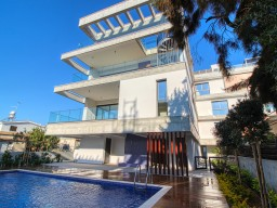 Penthouse with 3 bedrooms in Limassol, Potamos Germasogeia