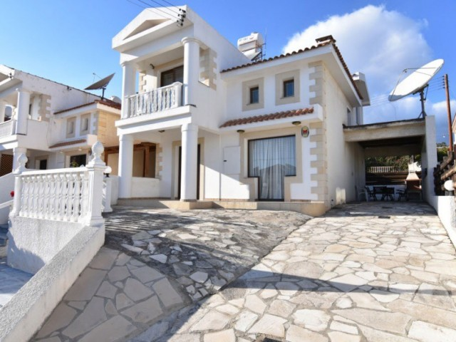 Four bedroom villa in Limassol, Potamos Germasogeia