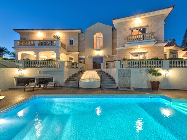 Luxury villa with 5 bedrooms in Limassol, Agios Tychonas