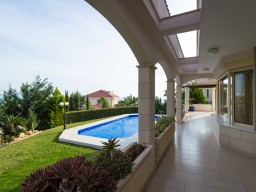 Villa with 5 bedrooms in Limassol, Agios Tychonas