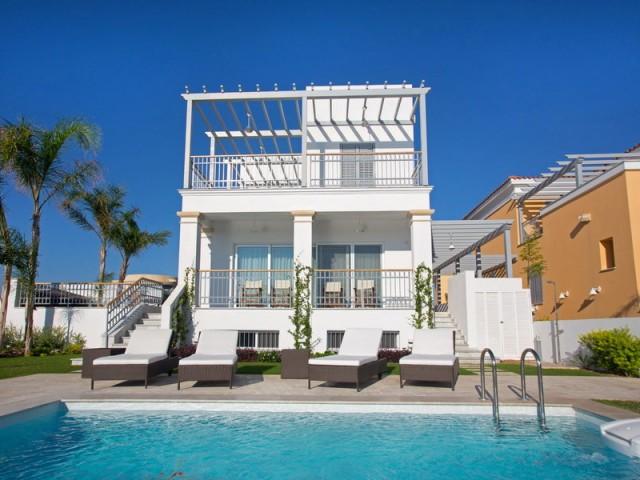 4 bedroom villa in Limassol, Limassol Marina