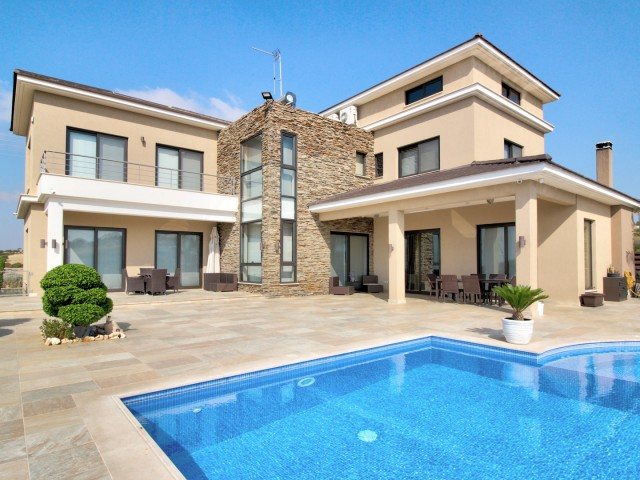 Villa in Limassol with 6 bedrooms, Agia Fyla