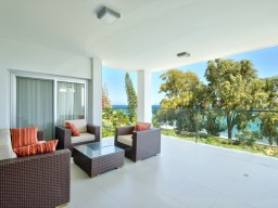 Apartments in Limassol with 3 bedrooms, Agios Tychonas