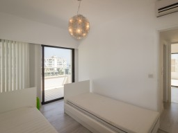 Penthouse with 3 bedrooms Limassol, Potamos Germasogeia