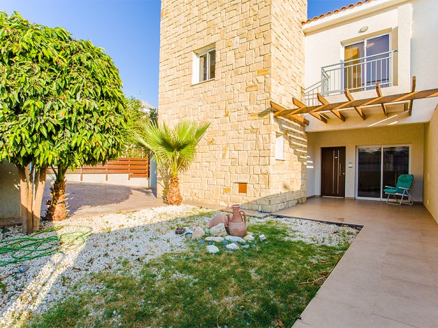 Townhouse in Limassol with 3 bedrooms, Mouttagiaka