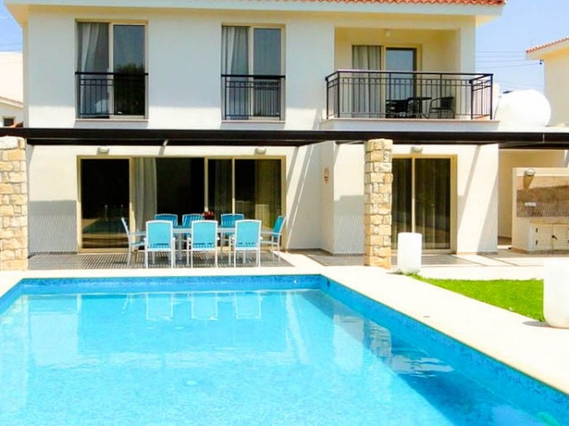 Four bedroom villa in Paphos, Chloraka