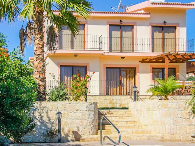 Three bedroom villa in Limassol, Pissouri
