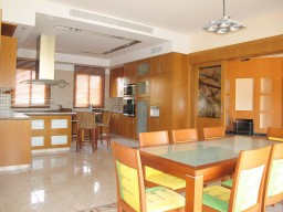 Luxury villa with 6 bedrooms in Limassol, Kalogiri