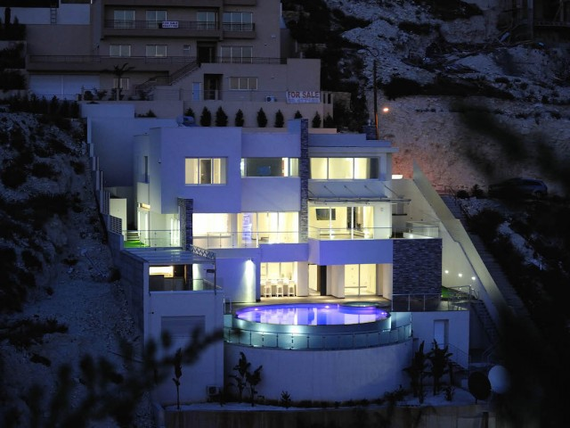 Villa in Limassol with 5 bedrooms, Agios Tychonas