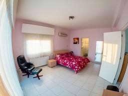 Five bedroom villa in Limassol, Agios Athanasios