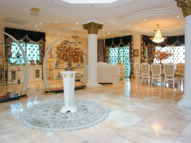 Five bedroom villa in Limassol, Mesovounia