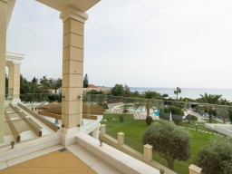 Villa in Limassol with 6 bedrooms, East Beach