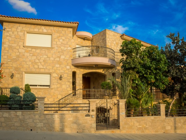 Luxury villa with 4 bedrooms Limassol, Agios Athanasios