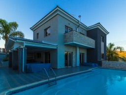 Villa in Limassol with 4 bedroom, Agios Athanasios