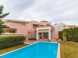 Villa with 3 bedrooms in Limassol, Amathusia