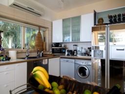 Villa in Limassol with 6 bedrooms, Agios Tychonas