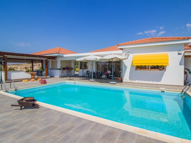 Villa in Limassol with 6 bedrooms, Agios Tychonas