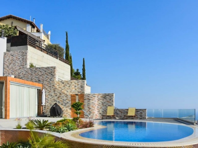 Villa in Limassol with 5 bedrooms, Agios Tychonas