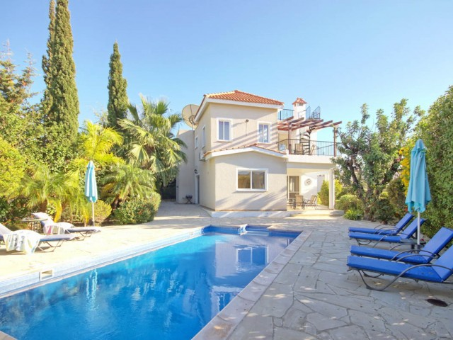 Villa in Paphos with 4 bedrooms, Peyia
