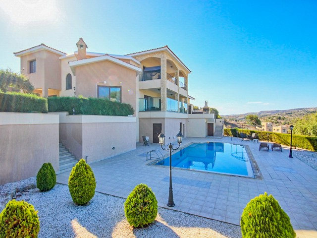 Villa in Paphos with 4 bedrooms, Letymvou