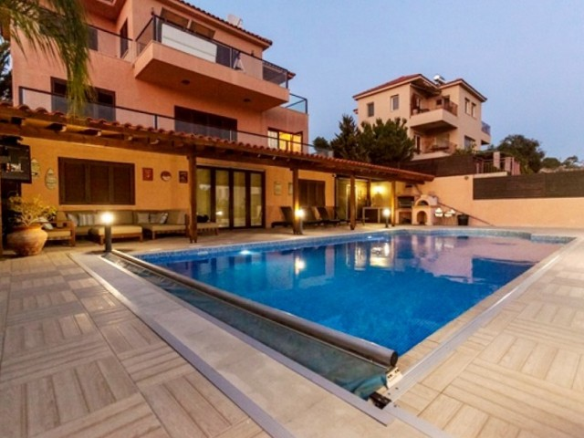 Villa in Limassol with 5 bedrooms, Germasogeia