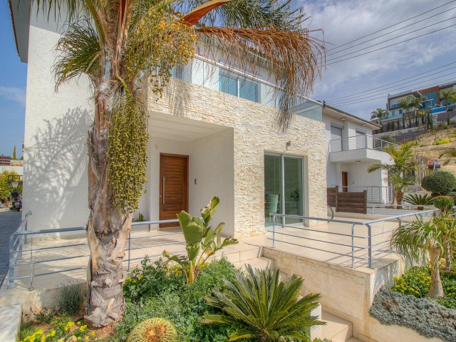 Villa in Limassol with 3 bedrooms, Agios Athanasios