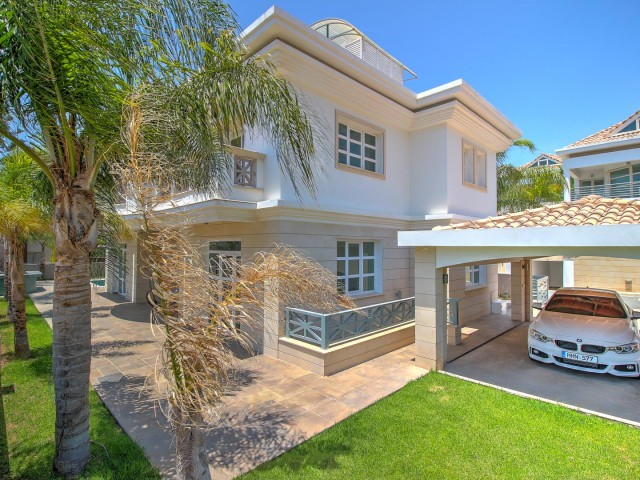 Six bedroom villa in Limassol, East Beach