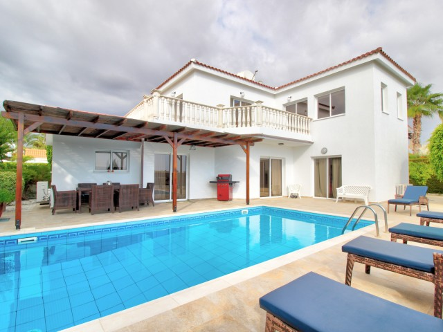 Villa in Paphos with 4 bedroom, Coral Bay