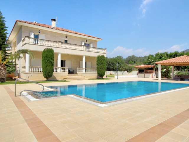 Villa in Limassol with 4 bedrooms, Monagroulli