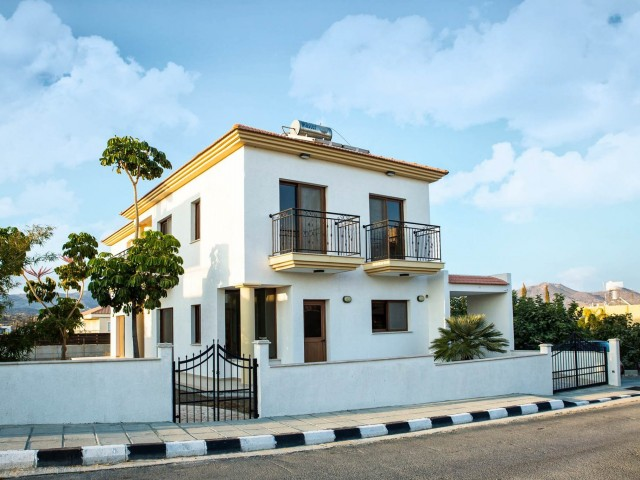 Villa in Limassol with 3 bedrooms, Parekklisia