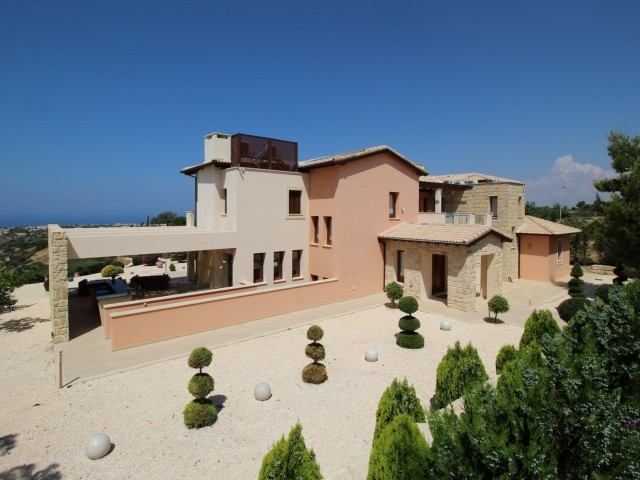 Luxury villa in Paphos with 5 bedrooms, Kouklia