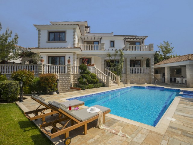 Villa in Paphos with 5 bedrooms, Polis