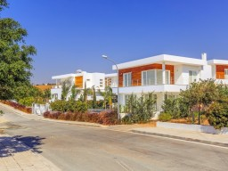 Four bedroom apartment in Limassol, Agios Tychonas