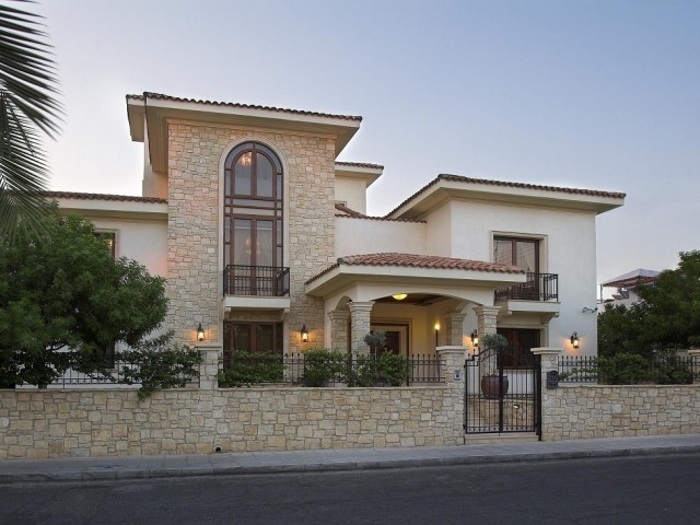 Luxury villa in Limassol with 5 bedrooms, City Center
