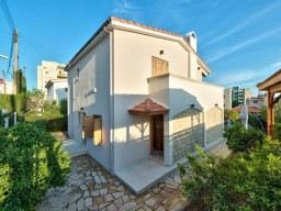 Villa in Limassol with 4 bedrooms, East Beach