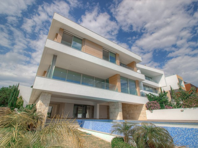 Luxury villa in Limassol with 5 bedroom, Agios Tychonas