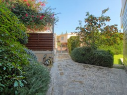 Five bedroom villa in Limassol, Amathusia
