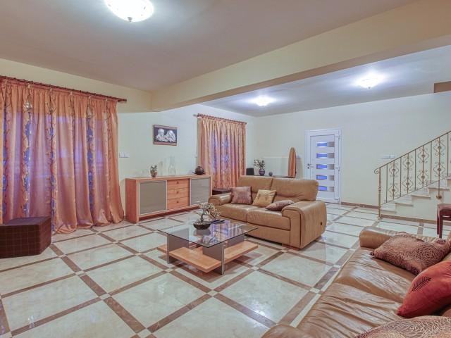 Villa in Limassol with 4 bedroom, Agios Athanasios