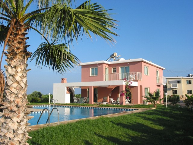 Three bedroom villa in Paphos, Sea Caves