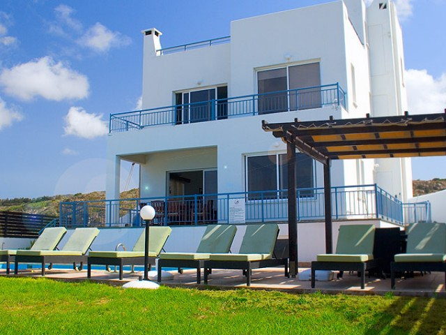 Five bedroom luxury villa in Paphos, Coral Bay