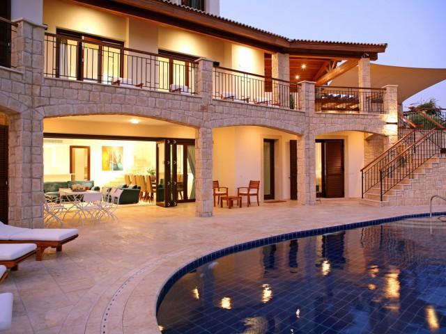 Luxury five bedroom villa in Paphos, Kouklia