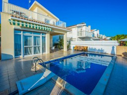Villa in Paphos with 4 bedrooms, Coral Bay
