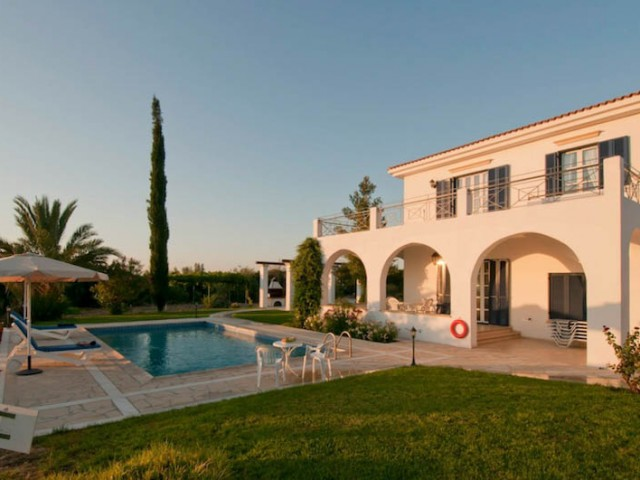 Villa in Paphos with 4 bedrooms, Argaka
