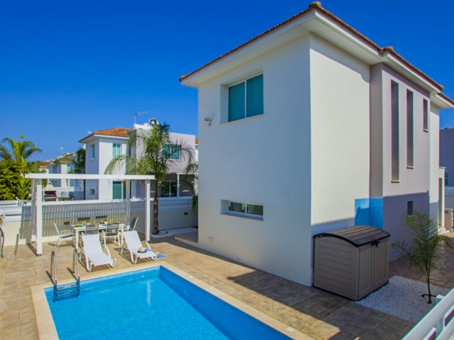 Villa in Protaras with 3 bedrooms, Paralimni