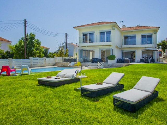 Villa in Protaras with 8 bedrooms, Pernera