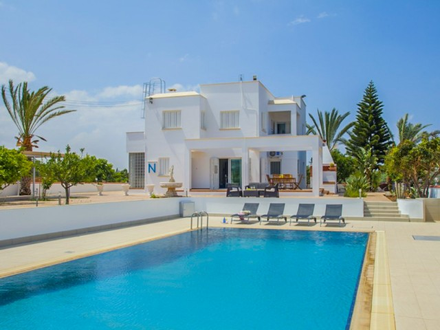 Villa in Protaras with 6 bedrooms, Paralimni