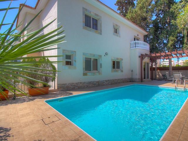 Villa in Limassol with 5 bedrooms, Agios Athanasios
