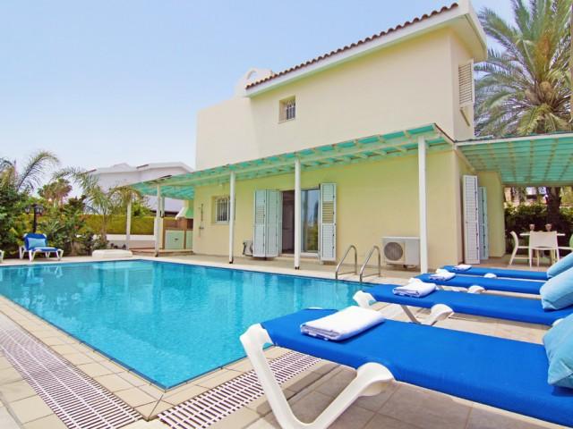 Villa in Protaras with 4 bedrooms, Pernera